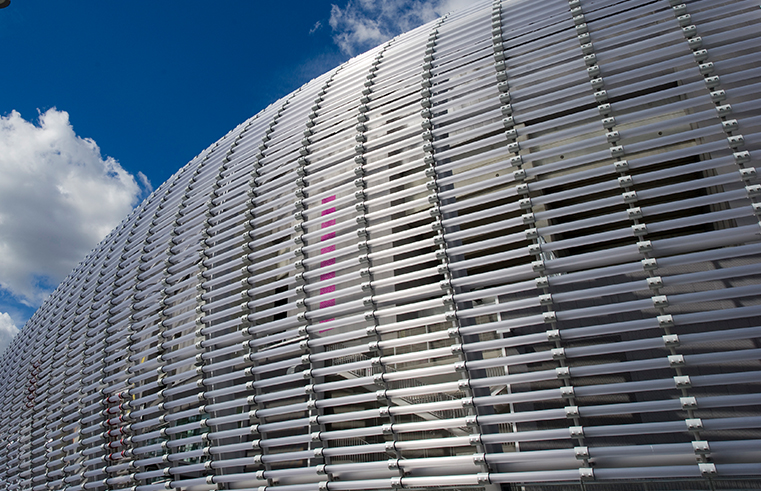 12,000 POLYCARBONATE TUBES TO MAKE UP THE STADIUM'S COVER.
